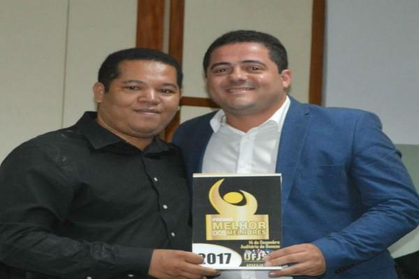 Prefeito Alan de Agripino recebe Prêmio Melhor dos Melhores 2017